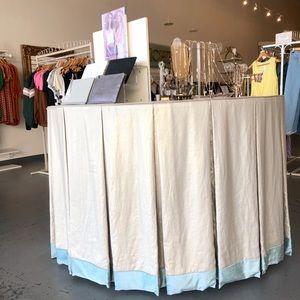 Custom Box Pleat Round Tablecloth